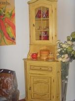 meuble d'angle restauré et patiné par Rose Citron.2009