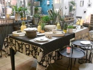 les ananas chez Jardin d'ulysse.Maison et objet 2016