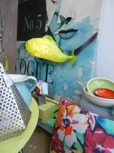 Tableau et lampe poisson d'une artiste bretonne.lampe poisson vitrine fiesta 2016
