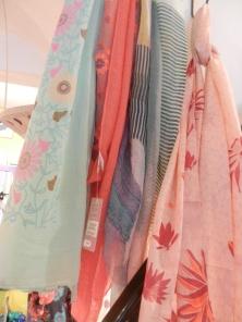 jeu de foulards.Rose citron 2017