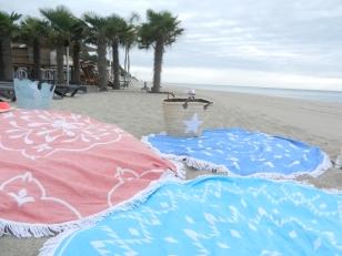 serviettes rondes de plage.