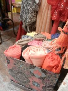 foulards unis avec paillettes.2017
