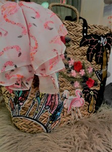Foulard avec flamant rose et sac de plage flamant.2018