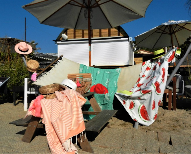 foutas pastèque et cactus, panamas et panier demi lune en bois